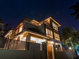 Lavishly-done 4-BR villa, ideal for luxury travelling groups
