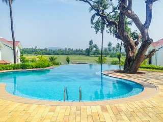 1 BHK with a pool
