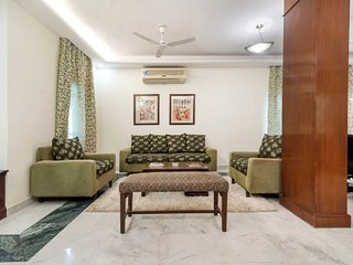 Beautifully-furnished 1 BHK, near local street markets