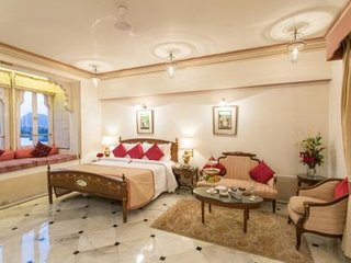 Grandiose abode for three, close to Lake Pichola