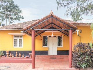 Vibrant stay for backpackers, close to Madikeri Fort