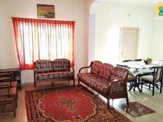 Well-furnished 5-BR cottage, 2.9 km from Ooty Lake