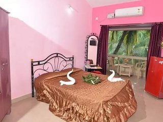 Restful stay for 3, near Calangute Beach