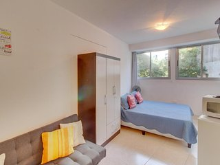 Apto tipo estudio con excelente ubicación- Studio apartment with great location