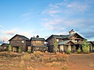 16-acre Private Luxury Ranch