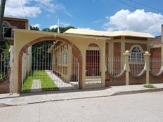 Casa Cerca De La Media Luna