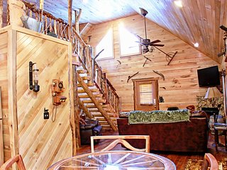 Deluxe 2 Bedroom Log Cabin