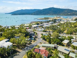 Beach House on Begley - Airlie Beach