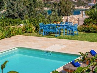 4 bedroom Villa in Loutraki, Crete, Greece : ref 5218014