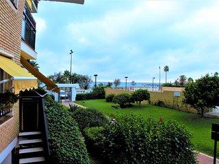 Frontline beach apartment Fuengirola. Sea views.
