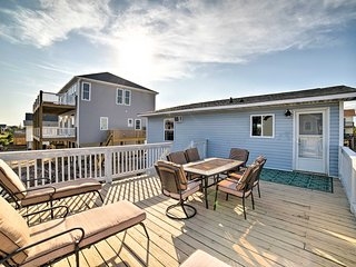 Dog-Friendly Surf City Home, 2 Blocks to Beach!