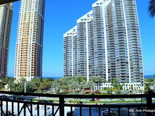 MIA.KD KD607 - Excellent condo near The Beach for 6