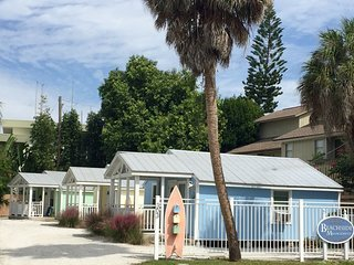 'Cottage by the Sea' 1 Bedroom/ 1 Bath Across From Beach!!- . 3031, 3032