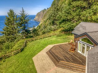 NEW LISTING! Oceanfront with exceptional sea views - whale-watch & bird-watch!