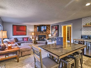Downtown Breck Condo on Main St - Walk to Slopes