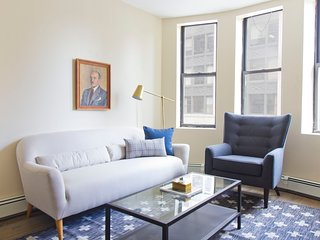 Simple 2BR in Financial District by Sonder