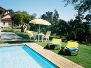 Stunning Charming, 12 Bedrooms all ensuite, 2,5 Hect Fenced Matur Garden, Wi-Fi