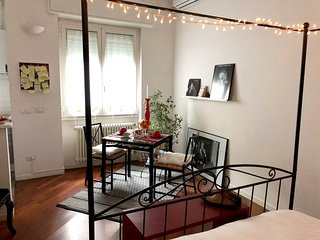 Cosy studio in Milan with Parking, Internet, Air conditioning