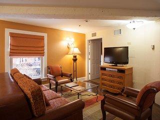 Wyndham Riverside 1 bedroom 9 minutes from the Alamo & Riverwalk