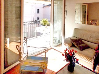 Cozy apartment in the center of Cannes with Lift, Parking, Internet, Washing mac
