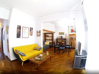 Spacious apartment in Naples with Parking, Internet, Washing machine, Balcony