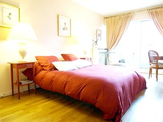Apartment in Paris with Internet, Lift, Parking, Washing machine (994141)