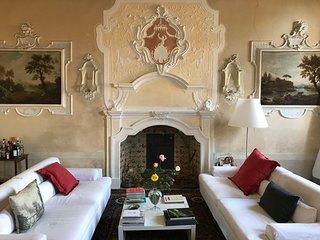 Historic Italian Villa in a Village with a Private Pool - Villa Valmarino