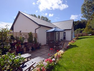 65599 House situated in Appledore (1.4mls SW)
