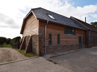 66130 Barn situated in Fordingbridge (6mls NE)