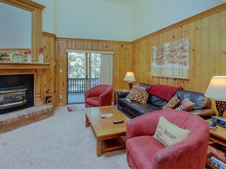 NEW LISTING! Family-friendly condo sweeping views, near sledding & skiing!