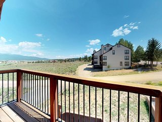 Cozy condo w/ shared hot tub - private balcony w/ view of Wheeler Peak