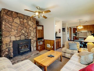 NEW LISTING! Dog-friendly condo w/ mountain views, patio & easy ski access!