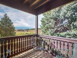 Condo w/ incredible views of Wheeler Peak, close to ski area, hiking, and biking