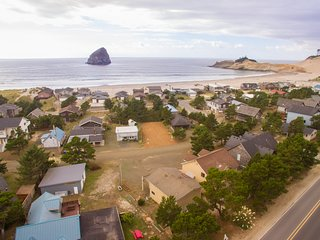 Beachhouse Woodworks #125 - Spacious home, great location near Cape Kiwanda