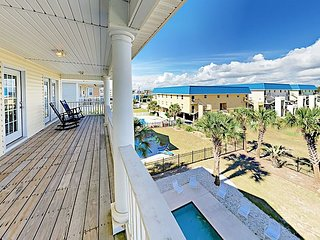 5,900 Square Foot All-Suite 7BR w/ Unobstructed Ocean Views & Private Pool