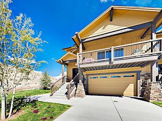 Brand-New Black Rock Ridge 4BR w/ Mountain-View Balcony & Hot Tub