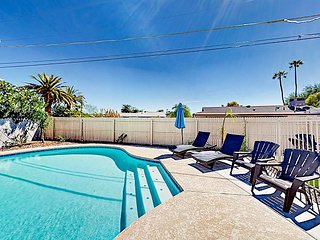 4BR w/ Private Pool, Hot Tub & Fire Pit - Close to Old Town, Tempe & Airport