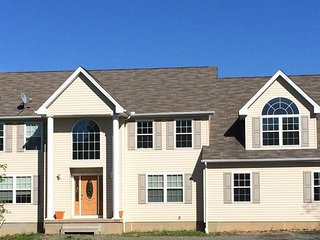 Yellow Birch Estate - Elegant 5+1BR Home in the Best Part of the Poconos