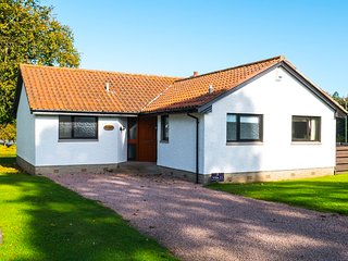63 Kinglassie, 3 Bedroom House, Sleeps 8, With Leisure Facilities & Pool