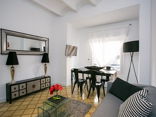 Beautiful Sagrada Familia apartment