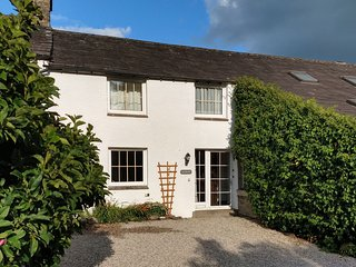 Drumlins Cottage - One-bedroom holiday cottage on the outskirts of Kendal (Pet-f