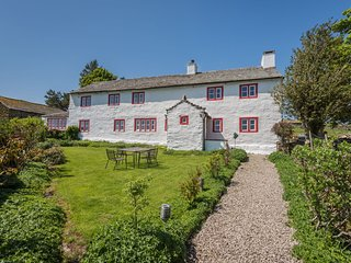 Carhullan Farmhouse (Pet-friendly) - Luxury Farmhouse, situated on Bampton Commo