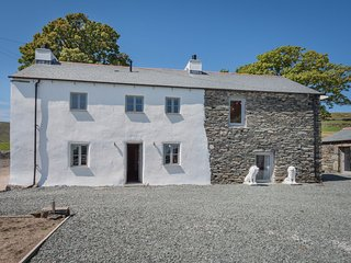 Self-Catering 539786 - Modern three-bedroom property situated high on Bampton Co