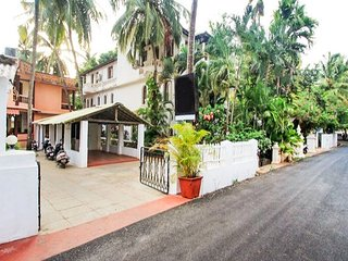 Comfortable rooms near Calangute beach