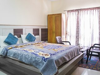 Well-appointed boutique room, 2 km from Ooty Lake