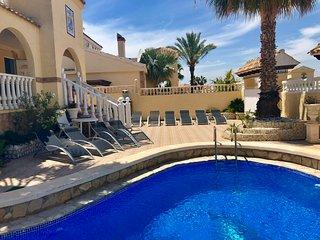Villa Holiday Lux near GA Centre