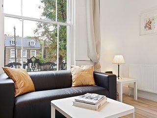 Elegant 1-Bed apt w/Juliet Balcony in Brixton