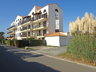 1 bedroom Apartment in Pontaillac, Nouvelle-Aquitaine, France : ref 5513571