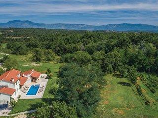 4 bedroom Villa in Batlug, Istria, Croatia : ref 5673227