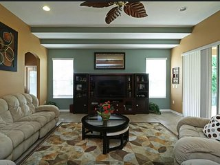 Near Wekiva Springs, Mt Dora, WDW Gorgeous 5br/4 bath 4000sq ft home sleeps 14.